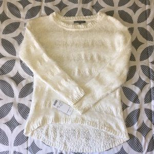 NY Collection cute white fuzzy sweater